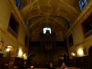 nef et orgue de la Cathédrale Sainte-Croix des Arméniens