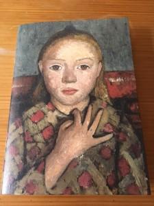 Paula Modersohn-Becker, portrait de jeune fille, les doigts écartés sur la poitrine
