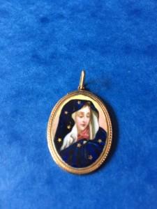 Médaille de la Vierge recto